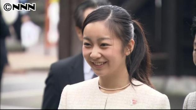 ポニーテール姿の佳子さまが可愛すぎると昨日からずっと話題 / ICU合格後、秋篠宮佳子さま初のご公務