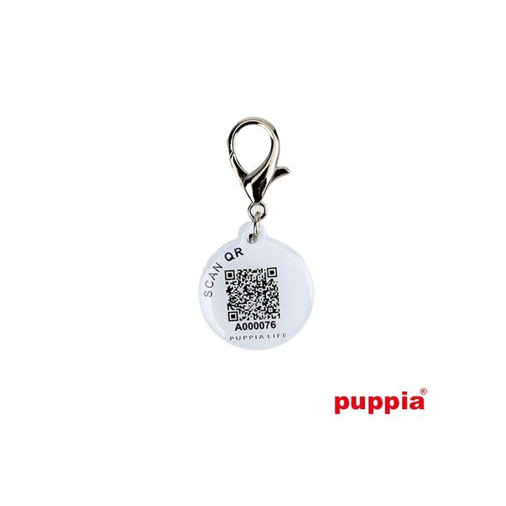 IDENTIFICADOR SMART TAG NAVY.  identificador inteligente de color azul marino, se puede colgar del collar o en la cremallera del abrigo de nuestro perro.  Al encontrar un perro perdido, podrás descargar en tu móvil la aplicación PUPPIA LIFE, y encontrar fácilmente a su dueño. bit.ly/1j5Egku