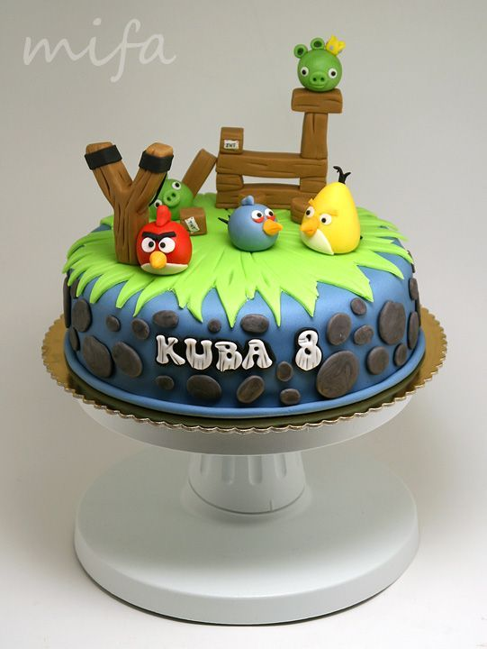 Simple and Fantastic Angry Birds cake! Angry Birds party ideas! Cake Design by Mifa.