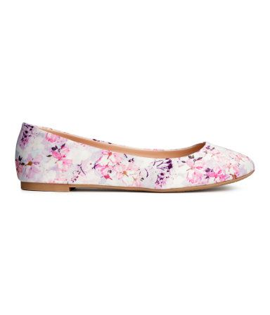 H&M Ballet pumps $14.95  No girl can have too many flats! And at $15 these are a steal.
