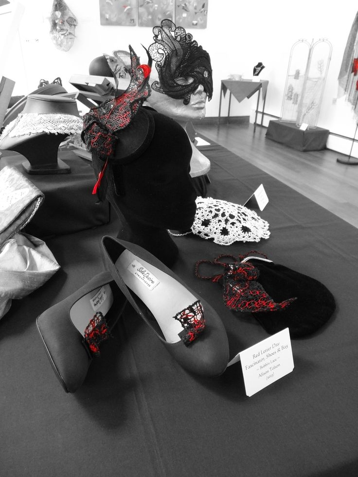 Alison Tolson's fascinator, shoes & bag on display at Lace Inspirations.