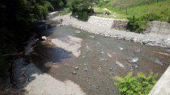 熊本県山都町にある青葉の瀬には多くの人で賑わっています() ここでは川遊びももちろんキャンプ場もあるのでキャンプも出来ますょ 水が綺麗なので泳いでいると川魚に前を泳いでいるので楽しいですょ  #熊本県山都町#青葉の瀬#キャンプ場#川遊び#水が綺麗 tags[熊本県]