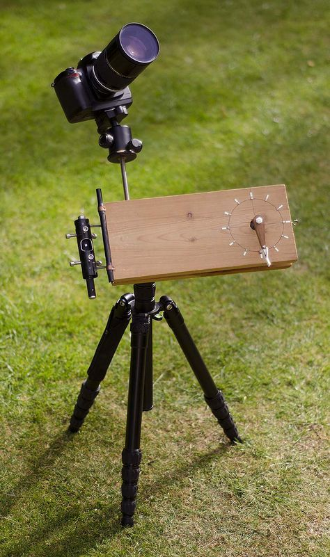 Build guide for an easy to make metric barn door tracker for astrophotography. Cheap and simple to construct with DIY build plans, photo gallery and MP3.