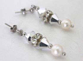 Earrings Ice Earrings handmade in Italy in pearls, swarovski, strass and silver 925. #artigianato #madeinitaly #orecchini #earrings #swarovski