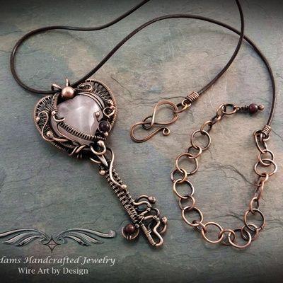 Розовый кварц сердца ключевых ожерелье кулон в Antiqued меди ж / натуральный рубин бисером
