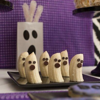 Ghost Bananas! Easy classroom Halloween snack
