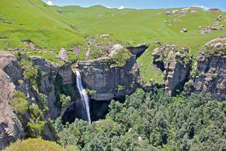 Gugu Falls, Royal Natal National Park, Northern Drakensberg.