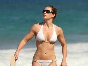 amazing arms, amazing abs - Jessica Biel