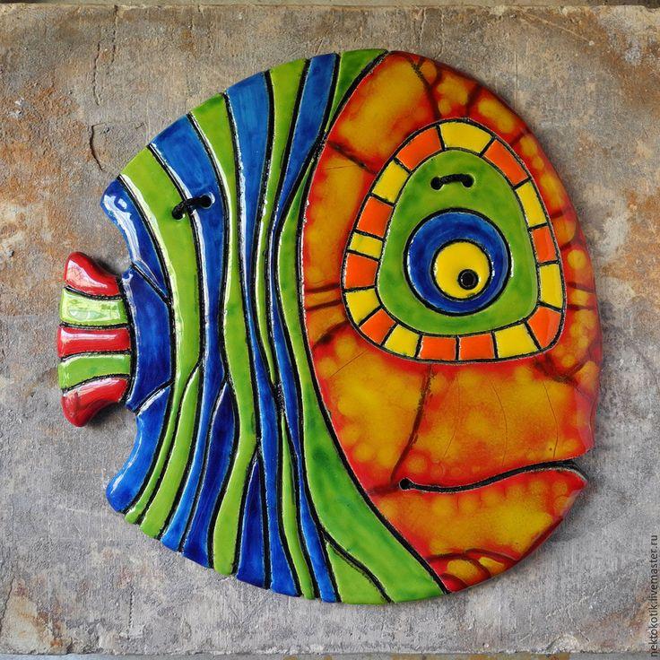 Керамическое панно «Полосатая Рыба» - рыба, керамика ручной работы, синий, зелёный, красный