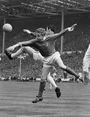 denis-law-and-gordon-banks-clash-during-the 1963 fa cup final