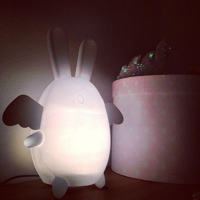 God Natt alla fina följare! #nattlampa #barnrum #sova Ange Lapin by Trousselier