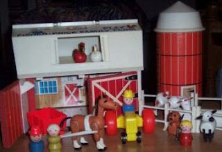 I had fun pretending that I had a farm with my Fisher-Price Play Family Farm.