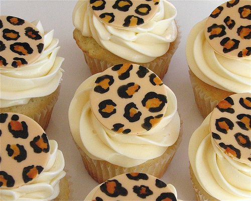 """Leopard Cupcakes"" according to the Cutest Food site. Oh really? They look like cupcakes with a plastic disk tossed on top, to me. So cheaty!"