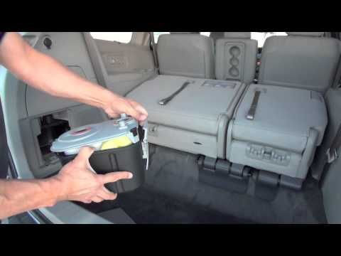 2014 Honda Odyssey Touring Elite® with HondaVAC™, the First In-Car Vacuum - YouTube