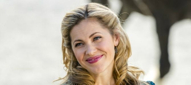 When Calls The Heart's Pascale Hutton Talks Chemistry And Season 4