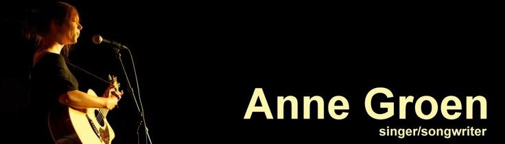 Anne Groen is een Singer songwriter uit Noord-Scharwoude. Met haar sympathieke stem maakt ze gevoelige klanken, met af en toe felle uithalen.    Ze is een performer van kleurrijke pop met alternatieve twists en een tintje rock, maar wel met een eigen teasing-sound. Haar teksten zijn poëtisch en meeslepend.    Ze biedt een boeiend programma voor ziel, oog en oor, waar je naar kan blijven luisteren. Anouk, Ben Howard, Selah Sue, Sia en Yori Swart zijn haar bron van inspiratie.