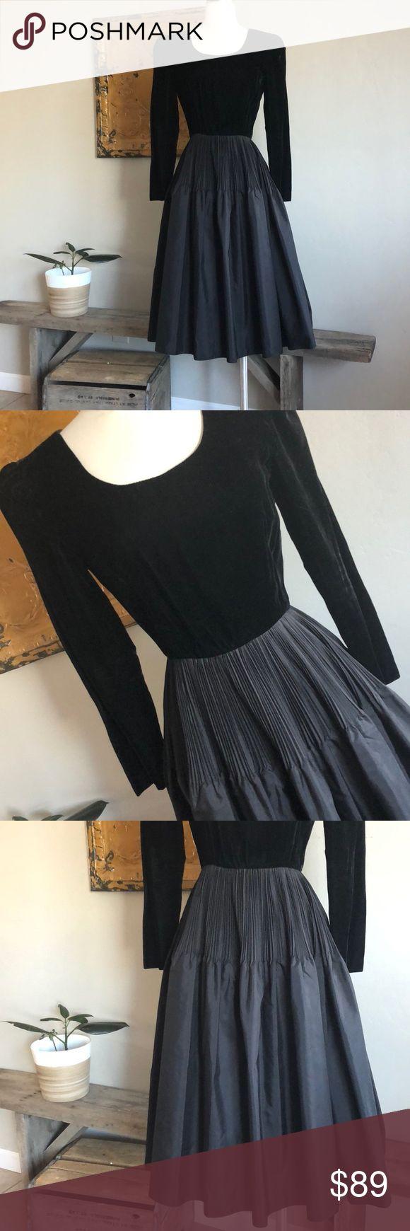 Vintage Black Cocktail Dress Very Elegant Velvet Bust w/Taffeta Skirt In Excellent Used Condition. size: 8 Clair de Lure Dresses Midi