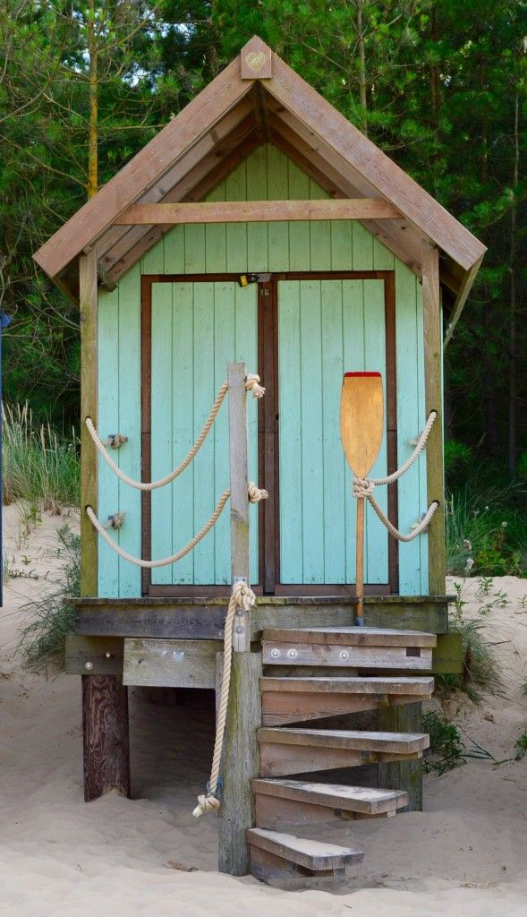 Beach hut style. Fantasy beach hut interiors styling.