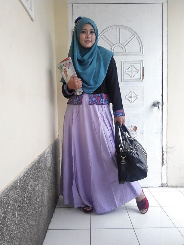 Outfit to office, etnic outer + wide skirt + instan shawl = perfect  All collection by www.hijabcornerid.com