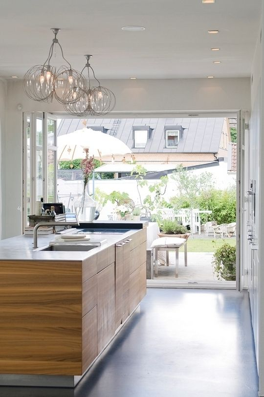 ♥ oh how I love the door that opens the whole kitchen up to the outside!