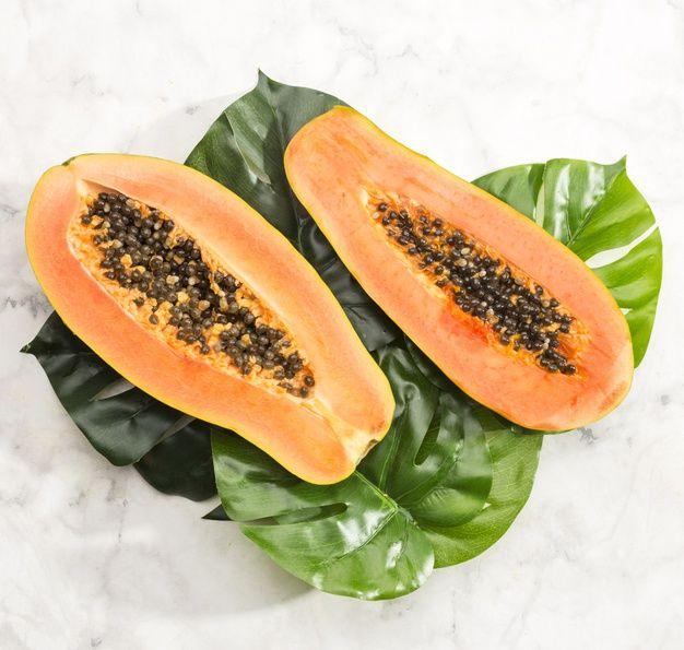 6 Papaya Health Benefits And Properties Buzhub Papaya Health Benefits Natural Food Papaya Benefits