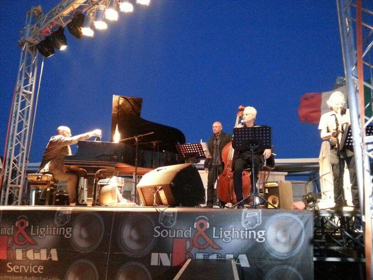 Amedeo Minghi in concerto Salerno 24 luglio 2014 Lido Bagni Savoia #AmedeoMinghi #ildolcetramonto www.ildolcetramonto.it