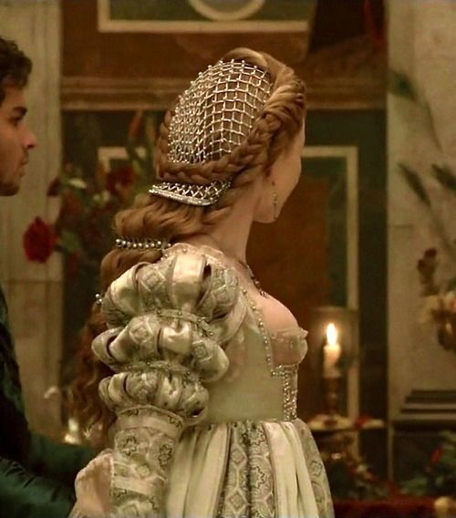 Holliday Grainger as Lucrezia Borgia in The Borgias (TV Series, 2011).