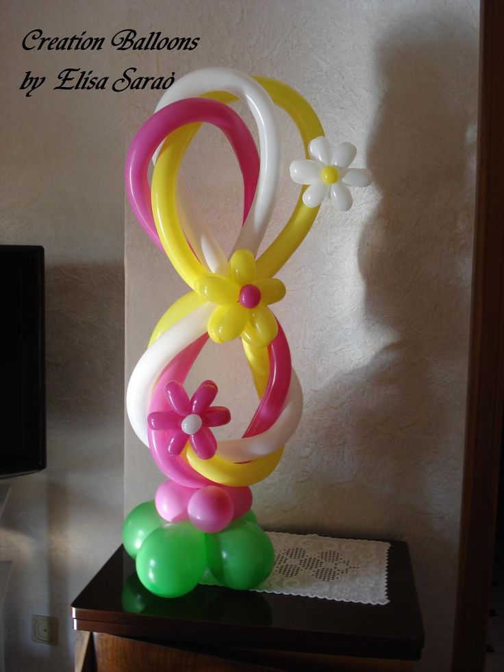 Numero 8   https://www.facebook.com/CreationBalloons?ref=bookmarks