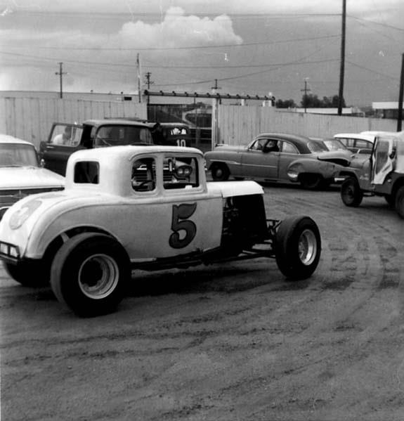 The 107 best images about jalopy racing on pinterest for Dirt track garage