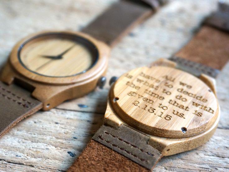 Bamboe houten horloge - gegraveerd met persoonlijke tekst. kadootje snuitje