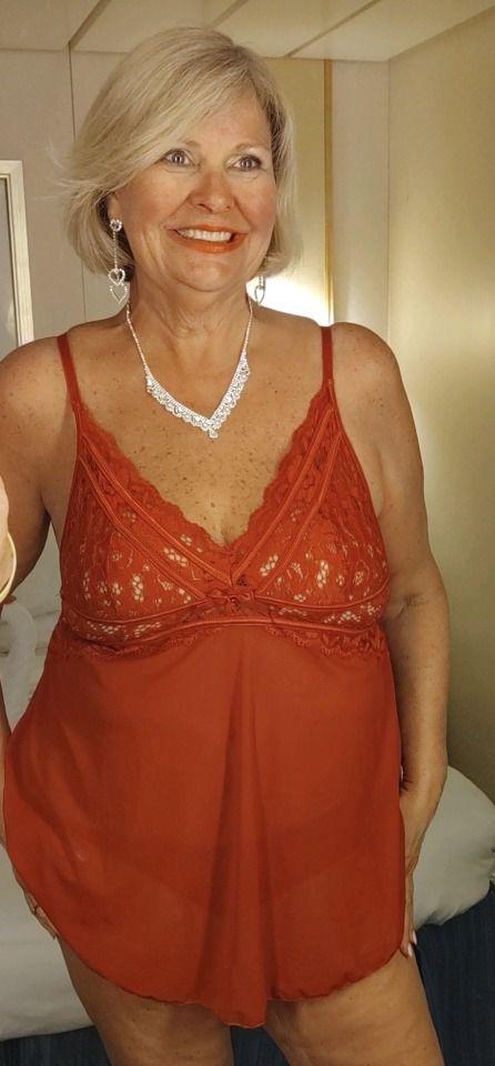 Pin on MILF GILF Mature Moms Hot-Aunt