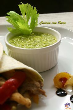 Salsa guacamole - ricetta messicana Io e mio marito adoriamo la cucina messicana; durante una nostra vacanza in Messico abbiamo gustato il vero cibo