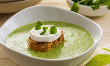 Jemná řeřichová polévka s nízkým obsahem laktózy