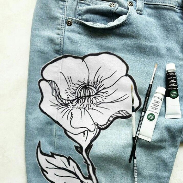 Painted jeans  Instagram : @qmjft
