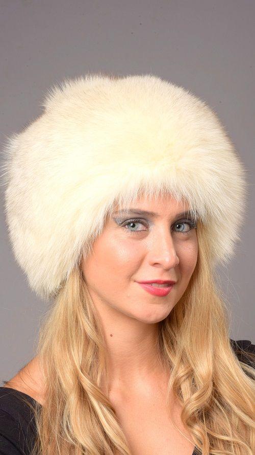 Cappello in autentica volpe bianca crema naturale.  www.amifur.com