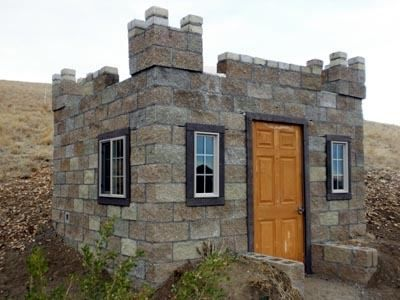 Tiny Castle House, different stone and some tweaks would make a great granny flat ... or Zak first home
