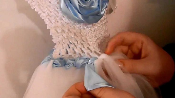 How to Wrap Ribbon On a Tutu Dress (Crochet Top) ♥Teresa Restegui http://www.pinterest.com/teretegui/ ★♥
