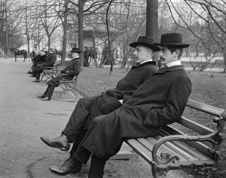 ca. 1906, P. G. Ekbom ja Bernt Aminoff Esplanadilla, Foto Frans Nyberg - Helsinki, Finland