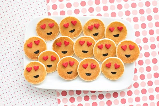 Easy Mini Emoji Pancakes Cute Breakfast Idea For Kids Cute Breakfast Ideas Cute Food Breakfast For Kids
