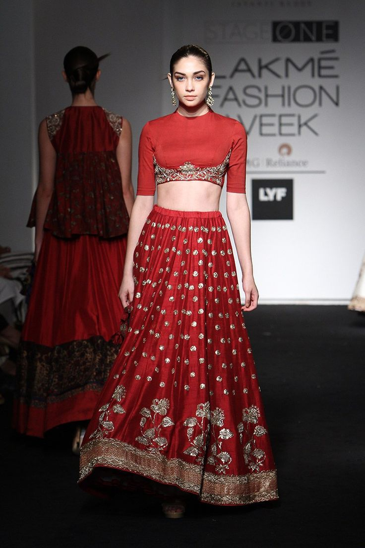 This gorgeous maroon lehenga by Jayanti Reddy is perfect for summer weddings #LFW #LIFW2016 #Frugal2Fab
