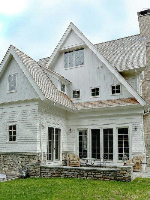 Best White Cedar Shake Siding White Siding Cedar Roof House 400 x 300