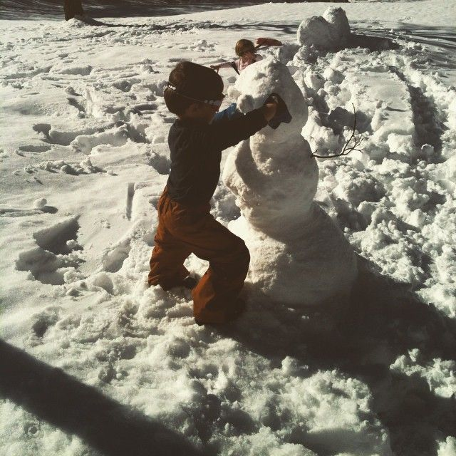 Olaf del Beigua #beiguashire #inverno  #picoftheday  #photooftheday #bimbi #pupazzodineve #snow #palo ⛄⛄⛄⛄⛄