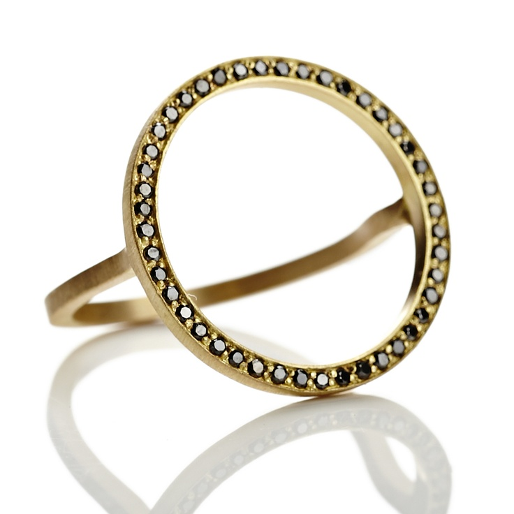 Cosmos Plus ring in gold with black diamonds. http://anettewille.dk