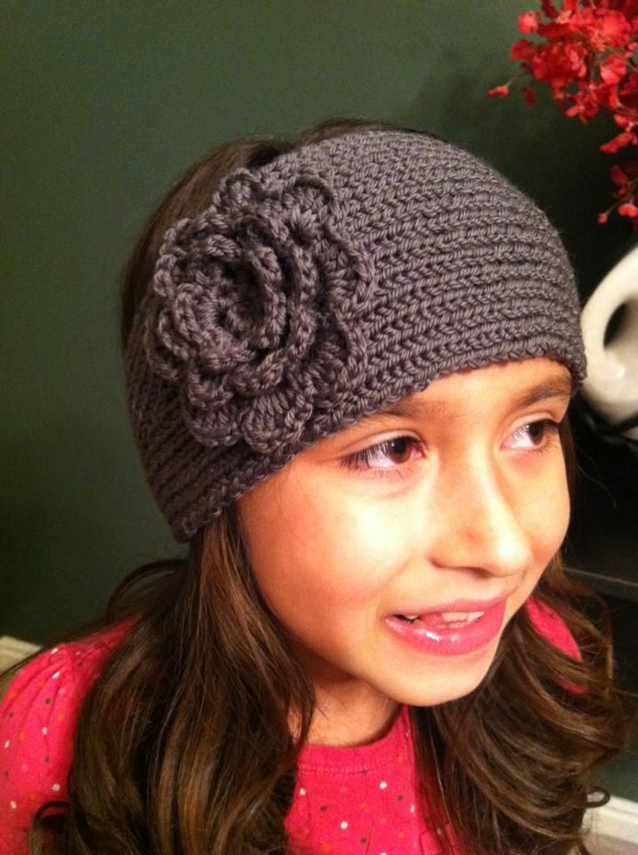 Knitted - Loom knit headband - Free pattern - Downloaded and printed. The flower is crocheted and video tutorial available