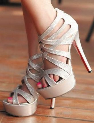 Every girl needs a good pair of silver heels and these are gorgeous! Check out Dieting Digest