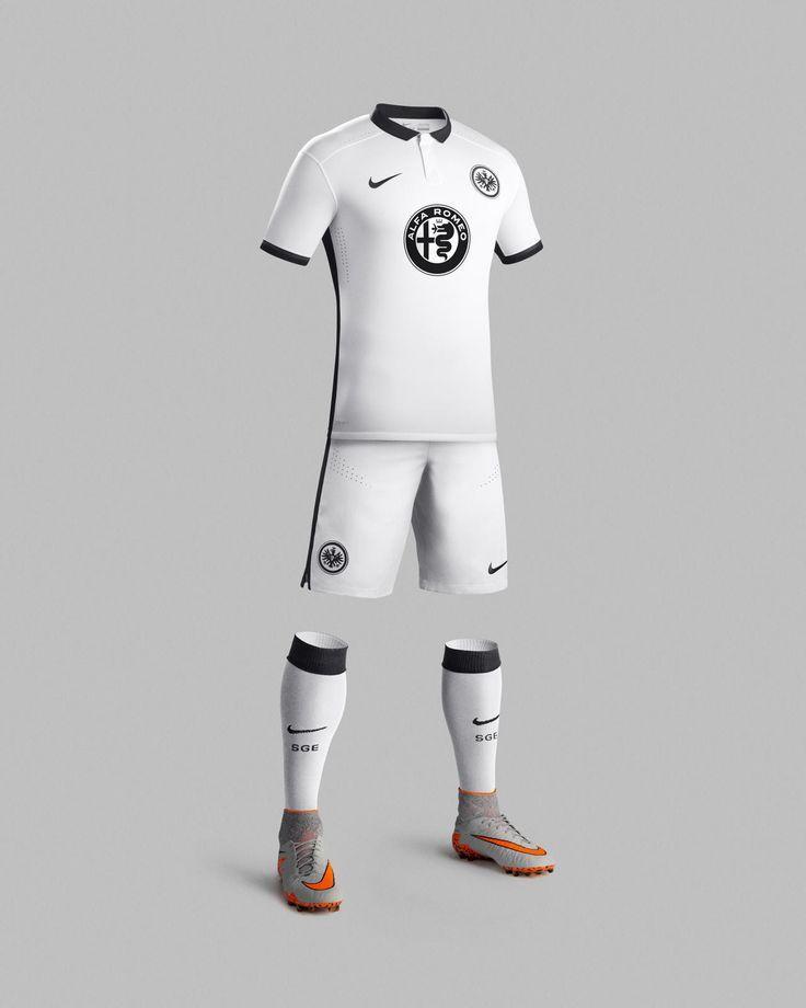 Nike News - Clean and Bold Eintracht Frankfurt 2015-16 Away Kit