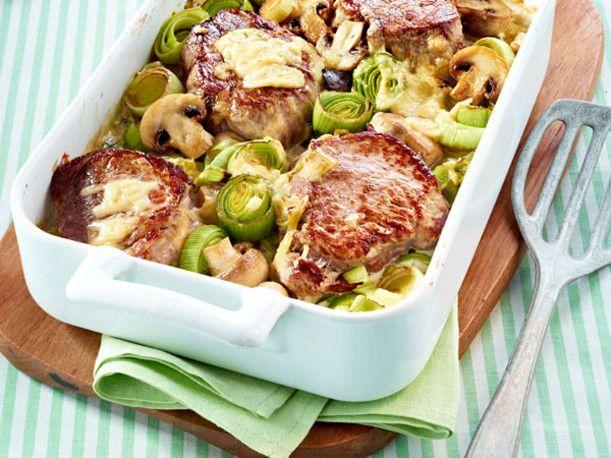 Unser beliebtes Rezept für Medaillons auf Pilz-Porree-Gemüse und mehr als 55.000 weitere kostenlose Rezepte auf LECKER.de.