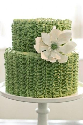 Green and White Wedding Cake Organic Urban Modern Contemporary #RuffleCake #PrettyCakes