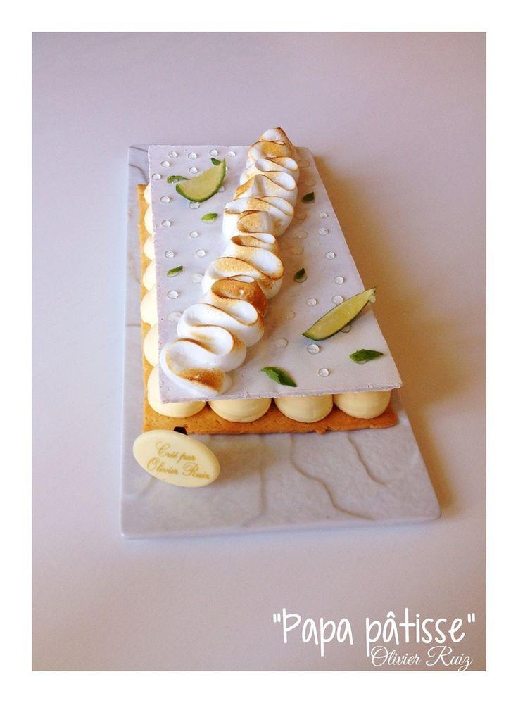 Voici en quelques images la Tarte meringuée Citron-Basilic, à laquelle j'ai encore apporté une ou deux modifications par rapport à la version précédente! Encore plus goûteuse et onctueuse! Crème au citron selon la recette de Cyril Lignac : 130 g de sucre...