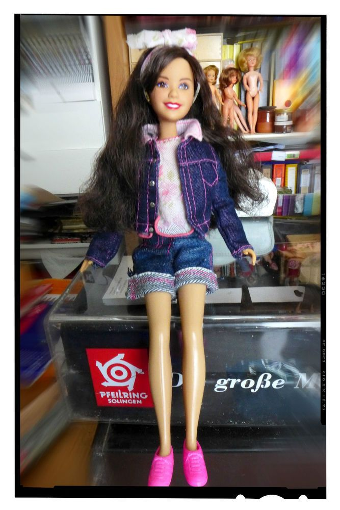 PRETTY LONG DARK HAIRED TEENAGE DOLL Barbie or clone made in china #Unbranded